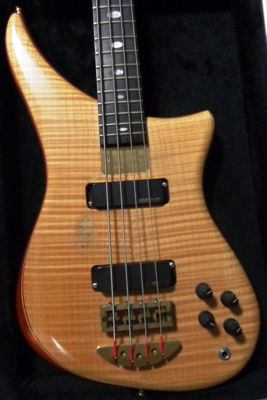 1998 alembic epic bass 5 of only 60 made. Black Bedroom Furniture Sets. Home Design Ideas
