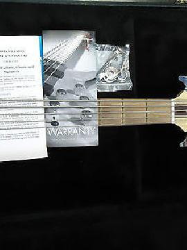 Tobias Basic 5 five string made in Usa bass with Preamp, Bartollini p ups / case