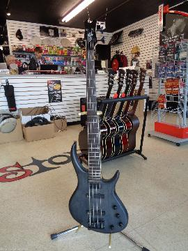Toby Deluxe Iv 4 String Active Bass Guitar by Tobias Transparent Black Mod Board