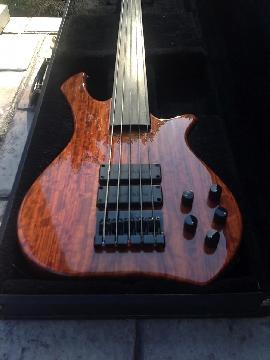 Zon Legacy Elite Special Fretless Bubinga/Mahogany 5 String Excellent Condition