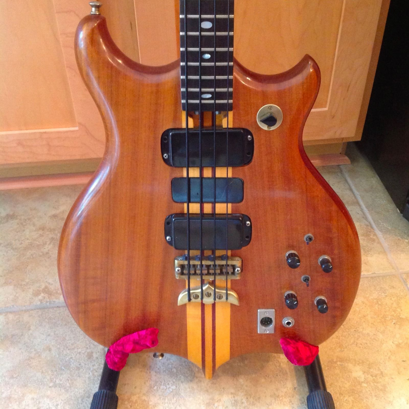 1986 Alembic Persuader Vector Bass 32 inch scale
